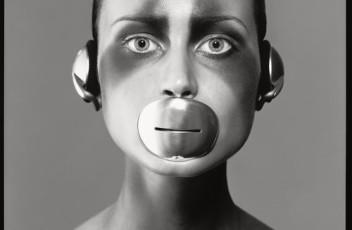 Natalia+Semanova,+mouthpiece+and+headphones+by+Tom+Binns,+New+York,+April+1998+copy